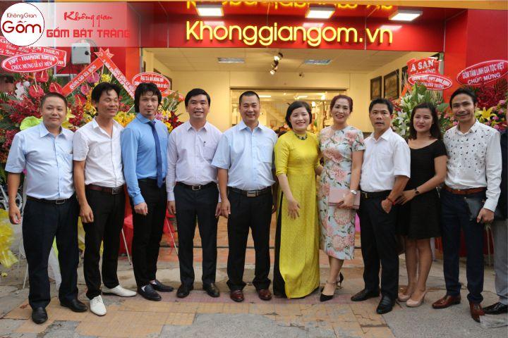 Tưng bừng khai trương chuỗi cửa hàng Không Gian Gốm tại quận Tân Phú