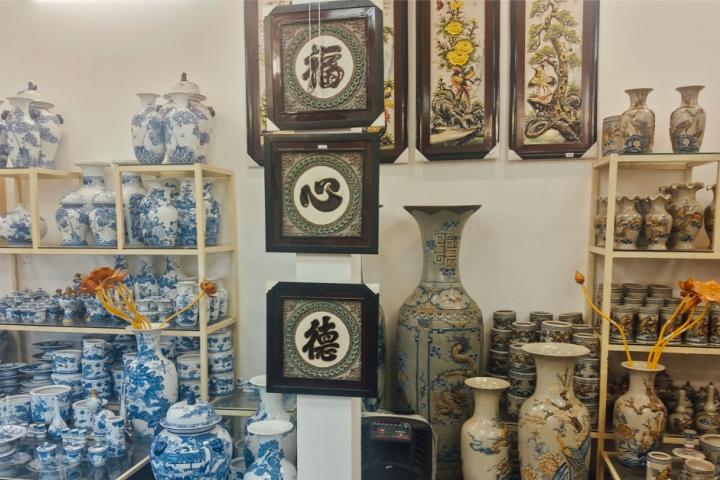 Cửa hàng bán đồ thờ Bát Tràng tại Quận 6