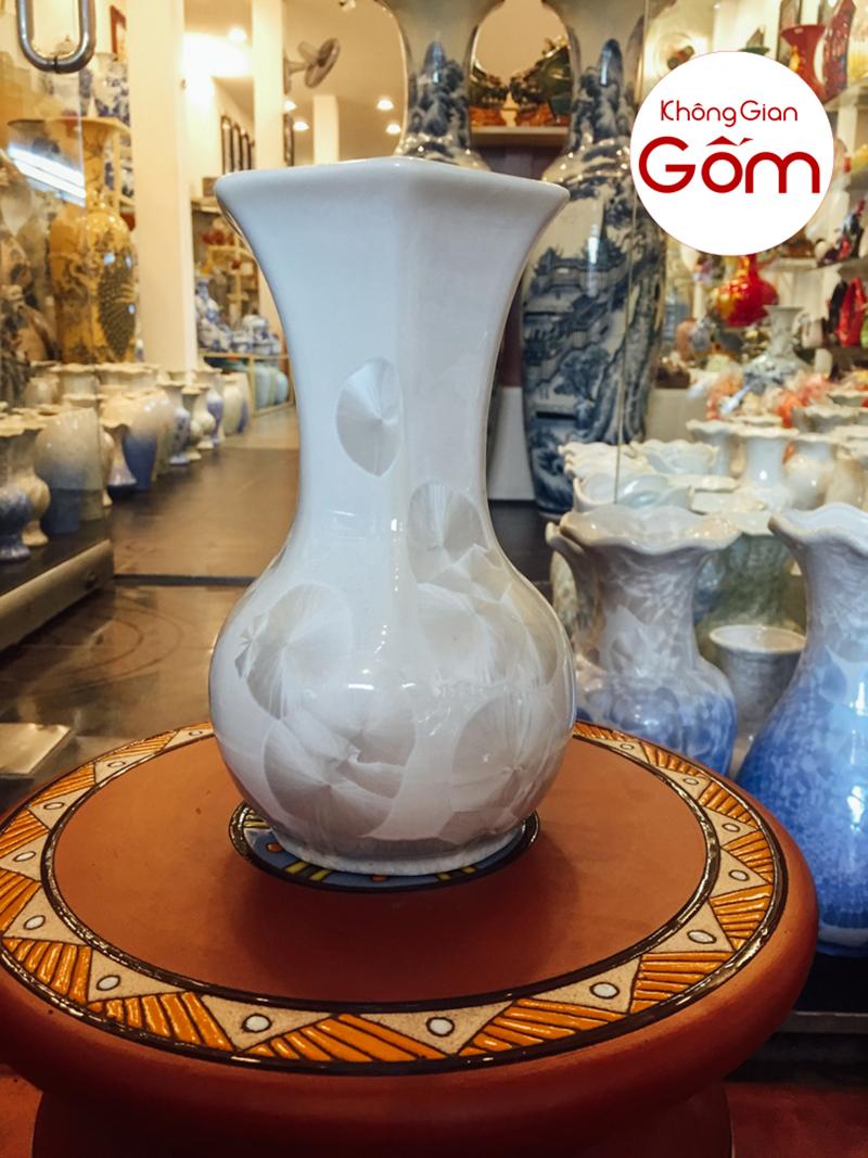 7 mẫu bình hoa đẹp hợp phong thủy cho người mệnh Thổ