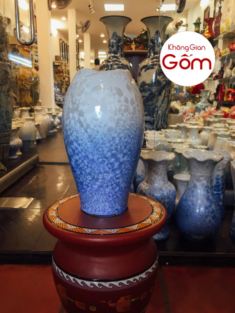 7 mẫu bình hoa đẹp hợp phong thủy cho người mệnh Thủy
