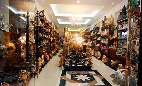 Cửa hàng không gian gốm chuyên cung câp vật phẩm phong thủy
