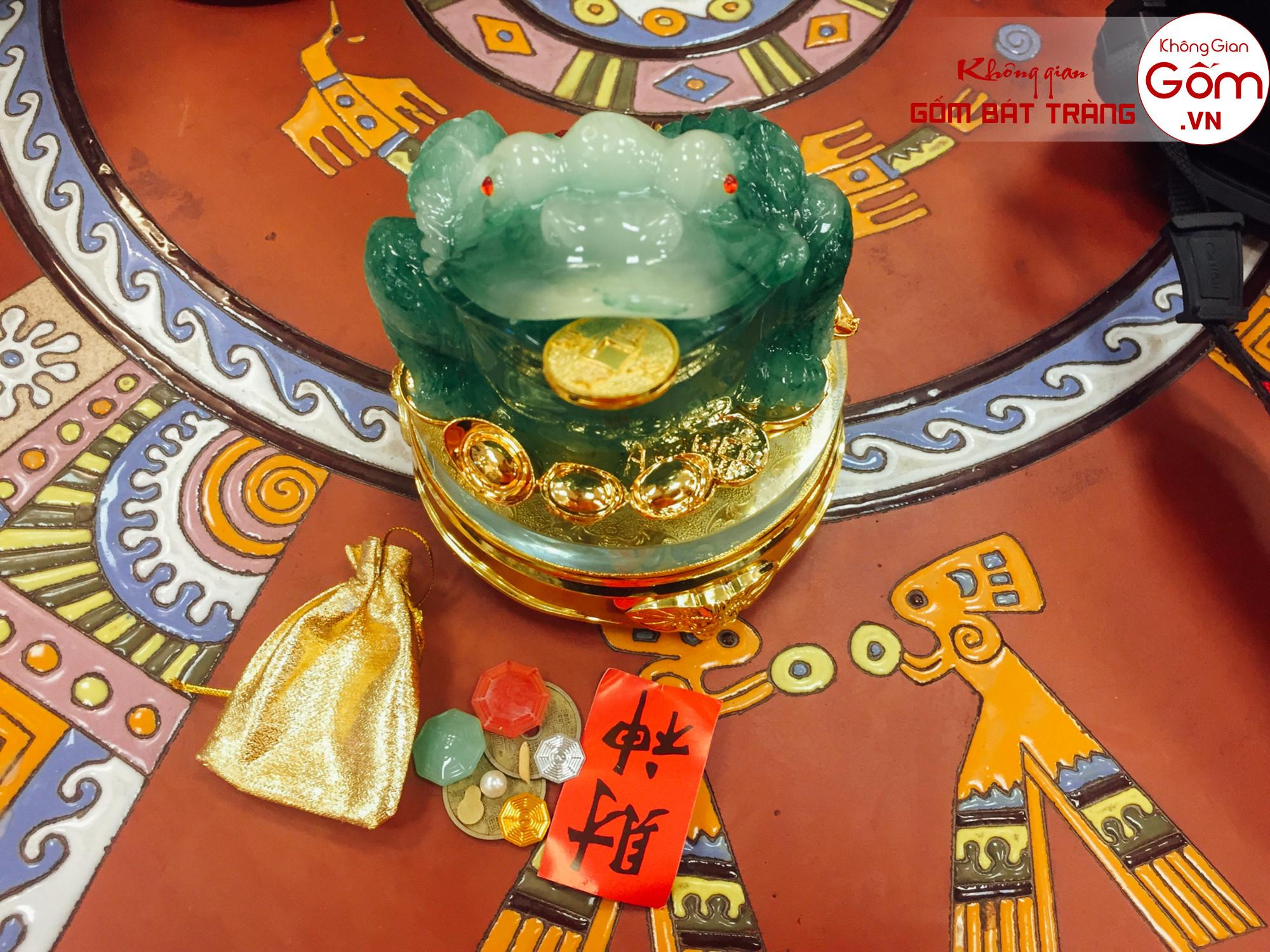 Địa chỉ bán cóc ngậm tiền vàng tại tphcm