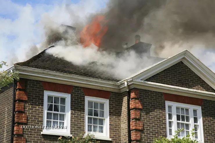 Biện pháp chống trộm, chống cháy khi bạn vắng nhà