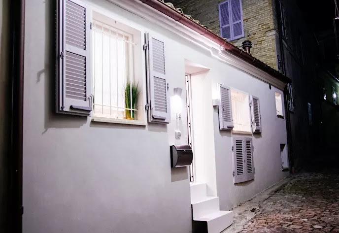 nhà phố trong ngõ nhỏ