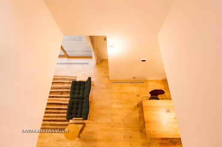 Xây nhà 2 tầng nội thất gỗ thuần cực ấm áp cho gia đình