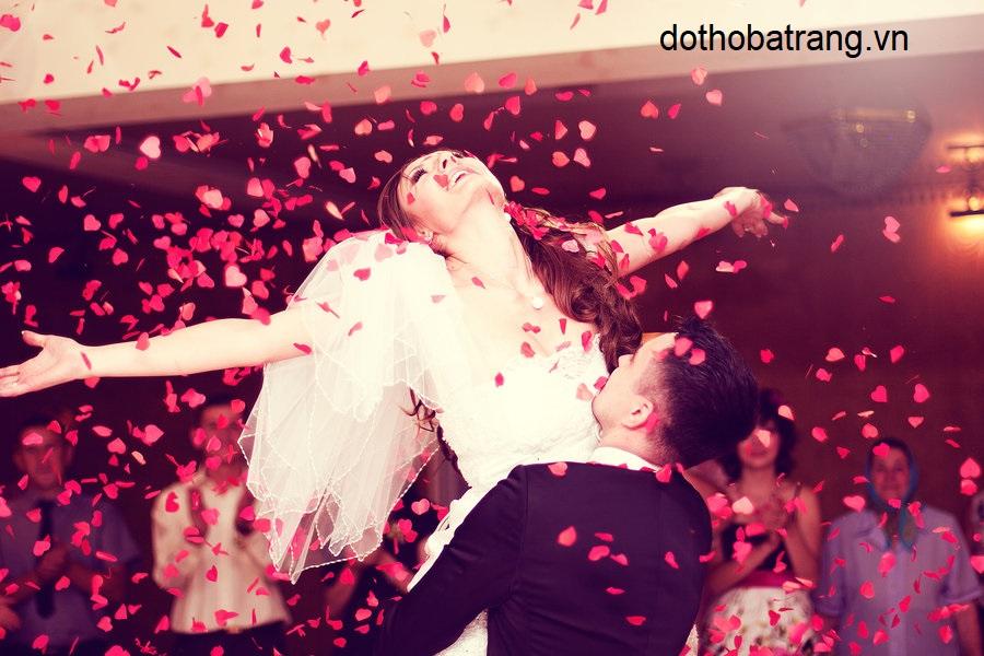 Nằm mơ thấy kết hôn là điềm báo gì 3