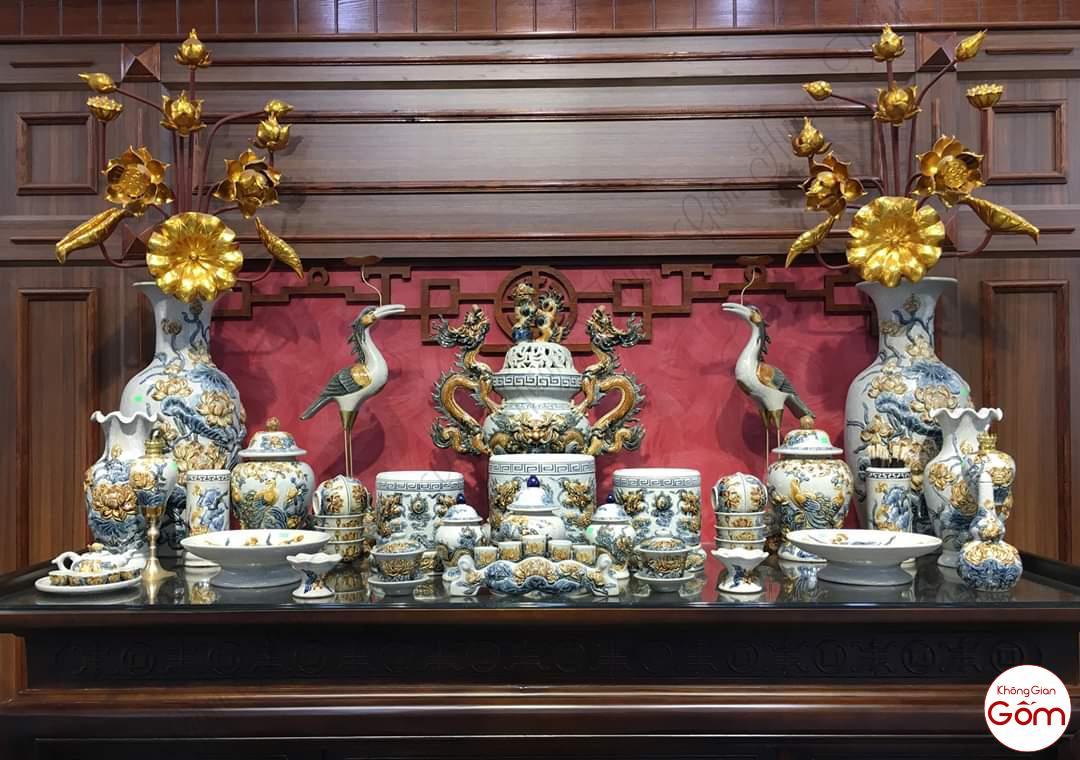 Bộ bàn thờ gia tiên men rạn đầy đủ gốm sứ Bát Tràng