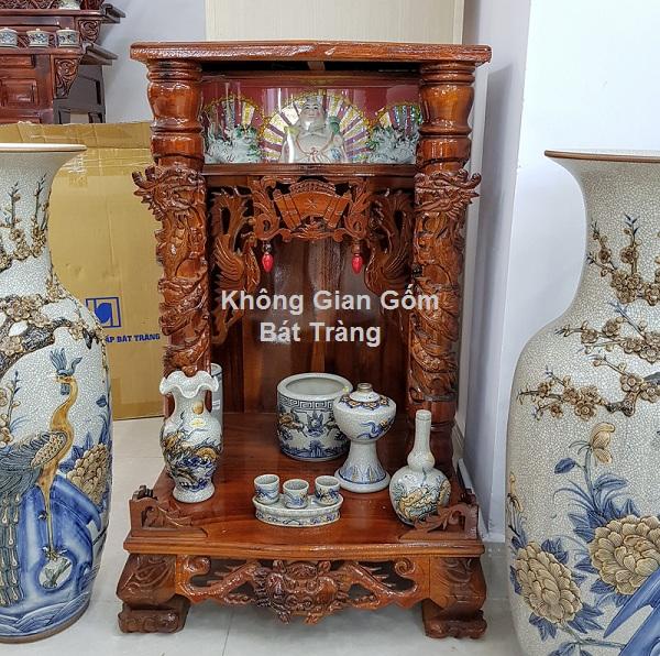 Tủ thờ gỗ tự nhiên cùng đồ thờ cúng gốm sứ bát tràng