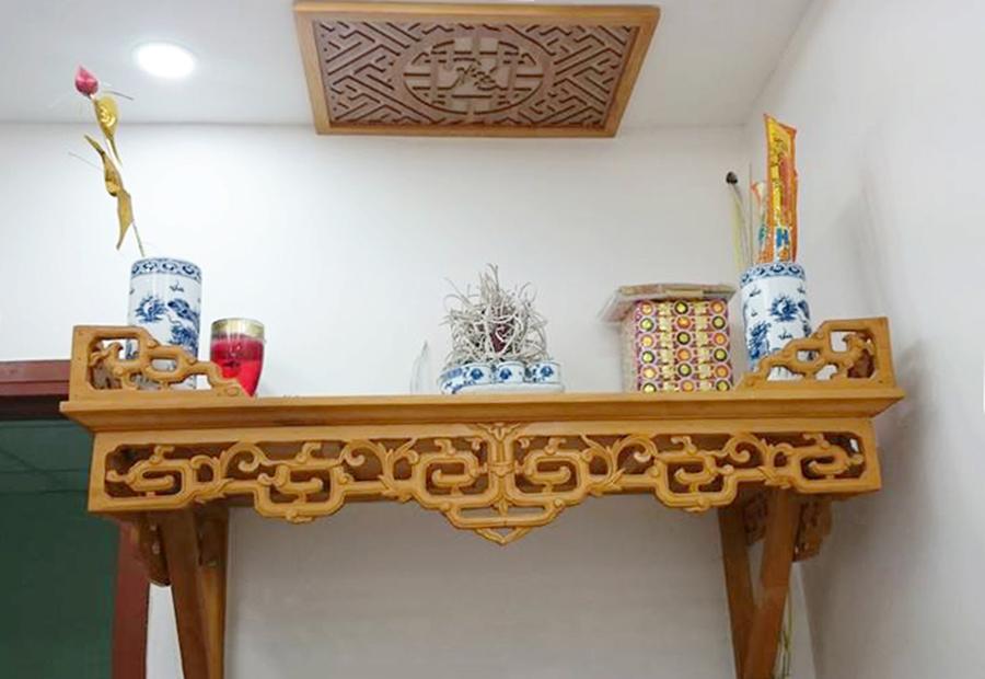 Bàn thờ gỗ cẩm lai mua ở đâu ? giá bán bao nhiêu tiền ?